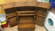 große aufklappbare Holzbar Schnapsbar Weinregal