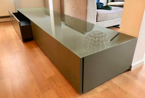 Lowboard design klassiker  ital. Designer-Lowboard/Sideboard mit 2 großen Schubladen ...