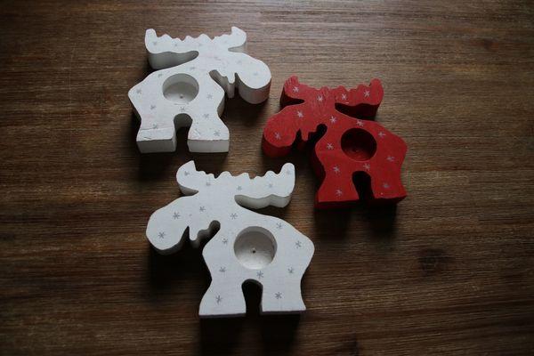 Teelichthalter Elch , 3-er Set aus Holz, neu - Brackenheim - Verkaufe dreiteiliges, neues und unbenutztes Teelichthalter-Set aus Holz.2 Elche weiß, 1 Elch rot.Maße: ca 15 cm (l) x 15 cm (b) x 2,5 cm (h) Keine Garantie oder Rücknahme, da Privatverkauf.Abholung oder Versand (zzgl. Versandkosten).Zahl - Brackenheim