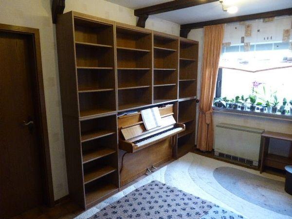 Schreibtisch,Bücherregal und PC Arbeitsplatz in Nidderau - Büromöbel ...