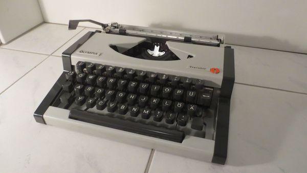 Schreibmaschine von Olympia voll funktionsfähig.