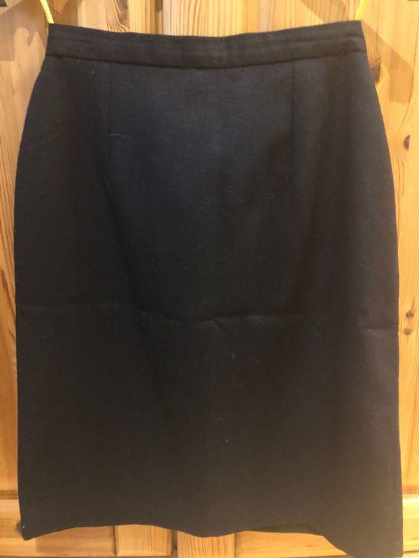 d5724f93c370 2 lange Röcke, ein Minirock in München - Damenbekleidung kaufen und ...