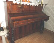 Älteres Klavier