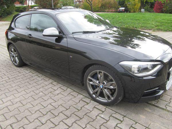 BMW 135i M 3-Türer GSD Navi. - Meckesheim - BMW, 135, Limousine, Benzin, 235 kW, 58100 km, EZ 02/2014, Automatik, Schwarz Metallic, Scheckheftgepflegt, Nichtraucherfahrzeug. Ausstattung: GSD,Navi Professional, Speed Limit Info,PDC, Sart-Stopp,CD Laufwerk,Schaltwippen, Freisprecheinrich - Meckesheim