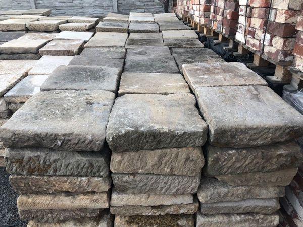 Alte Bodenplatten Aus Sandstein Natursteine Sandsteinplatten In
