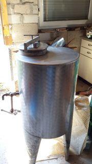 Weinfass Brandweintank aus Edelstahl auf