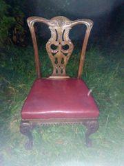 Antike Stühle aus