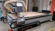CNC Fräsmaschine mit 11fach Werkzeugwechsler