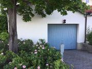 Garage in kleiner Wohnanlage zu