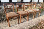 Stühle alt aus