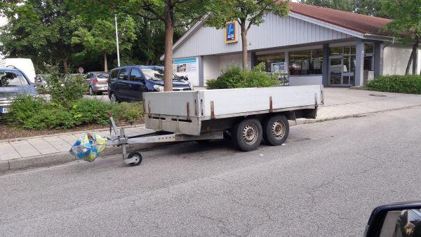 Anhänger 2,5 to mit Zusatzeinbauten in Rosenheim - Anhänger ...