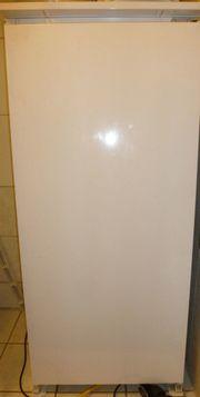 Gebrauchter INTEGRIERBARER Kühlschrank