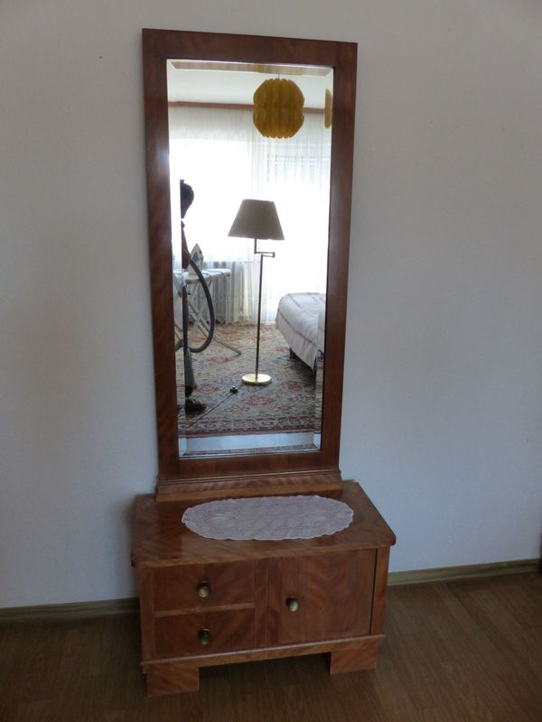 Kommode Mit Spiegelaufsatz In Russelsheim Schranke Sonstige