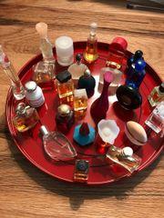Parfumflakon Sammlung Miniaturen