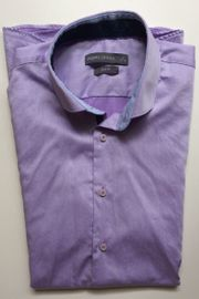 Schickes Männerhemd in lila kurzärmlig