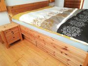 Neuwertiges Doppelbett Ehebett Kiefer 180