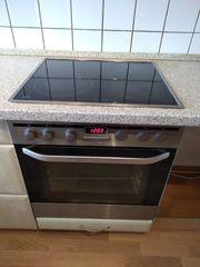 Küche mit Elektrogeräten von Siemens
