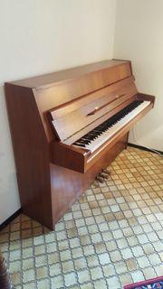 Sehr schönes Klavier