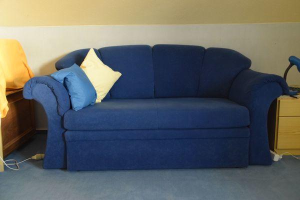 Zwei Sitzer Sofa Ausziehbares Schlafsofa Sehr Guter Zustand In
