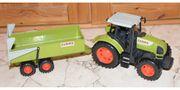 Spielzeug Traktor mit