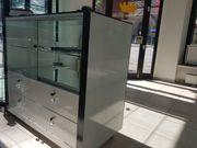 Hochglanz Design Glastheke in schwarz