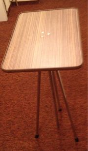 Tisch für Diaprojektor