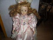 Wunderschöne Puppe Porzellan