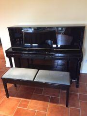 Klavier Kawai neuwertig