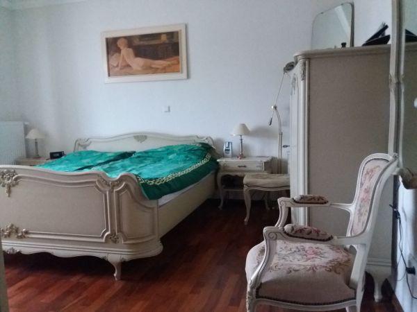 antikes schlafzimmer kaufen antikes schlafzimmer gebraucht. Black Bedroom Furniture Sets. Home Design Ideas