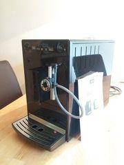 Kaffee-Vollautomat v Melitta