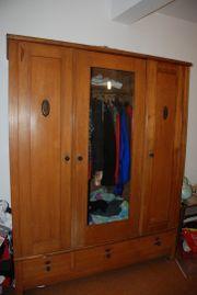 Kleiderschrank, 3 Türen,