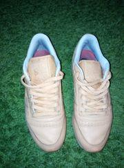 Duftend getragene Socken Nylons und