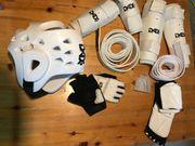 Taekwondoanzug und Zubehör