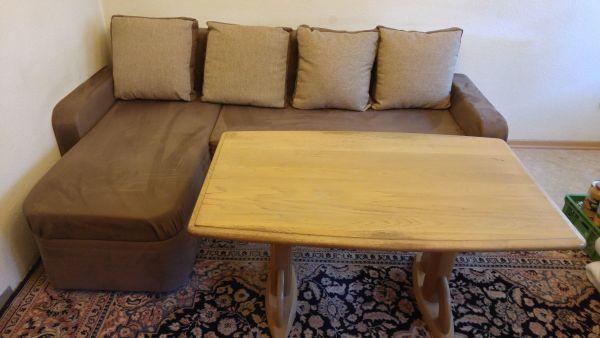 Rubrik Haushaltsauflsungen Privatflohmarkt Wohnzimmereinrichtung Wohnzimmerschrank Couchgarnietur Tisch Teppich Gebrauchte Wohnzimmermbel