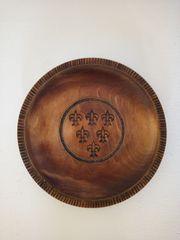 Wand-Holzteller mit dem Wappen von