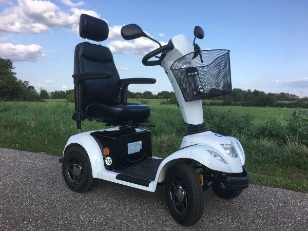 Vermeiren Elektromobil Carpo 4 - Oberhausen-rheinhausen - Biete ein Elektromobil Carpo 4 von Vermeiren. Das kleine und wendige Elektromobil ist optimal für ältere Menschen, die nicht auf Mobilität verzichten wollen. Es ist komplett gefedert und bietet Armlehnen sowie einen drehbaren S - Oberhausen-rheinhausen