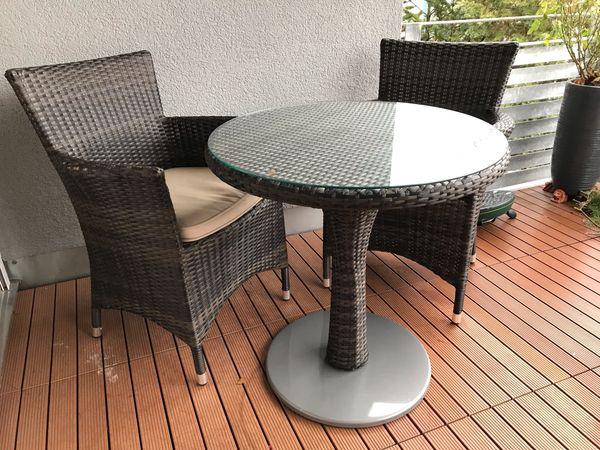 Gartentisch Mit 2 Stuhlen Inkl Sitzkissen Top Zustand In