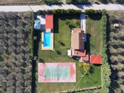 Villa with pool and tennis