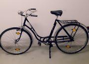 oldtimer fahrrad wanderer