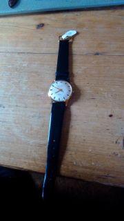 Mechanische goldene Armbanduhr