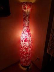 Stehlampe rot bemalt