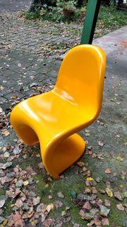 Schöner Stuhl, Anlehnung