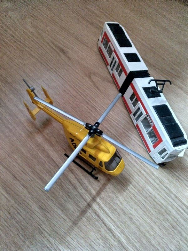 Siku Helikopter Straßenbahn Set