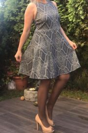 Getragenes Kleid Gr 44 Strechig
