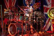 Vielseitiger Schlagzeuger sucht Band