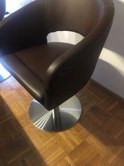 Wer kann Stühle polstern