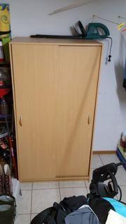 Garderobeschrank