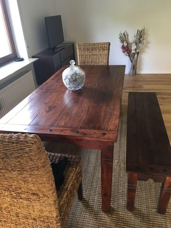 Esszimmer Tisch Couchtisch Bank Stühle