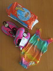 Kinderbadeanzug mit Aquaschuhen und gratis