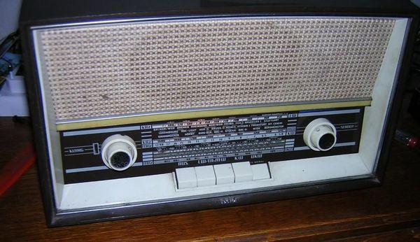 ukw radioarmbanduhr kaufen ukw radioarmbanduhr gebraucht. Black Bedroom Furniture Sets. Home Design Ideas